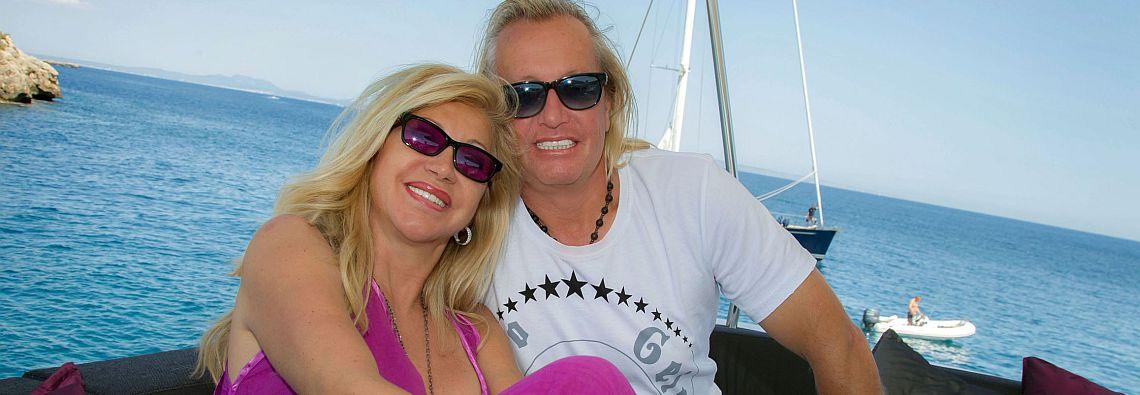 """Die Geissens - Eine schrecklich glamouršse Familie, Robert und Carmen Geiss auf ihrer Luxusyacht """"INDIGO STAR"""", Ausstrahlung: Montag, 12. Mai 2014, um 20:15 bei RTL II, (Foto: RTL II"""""""