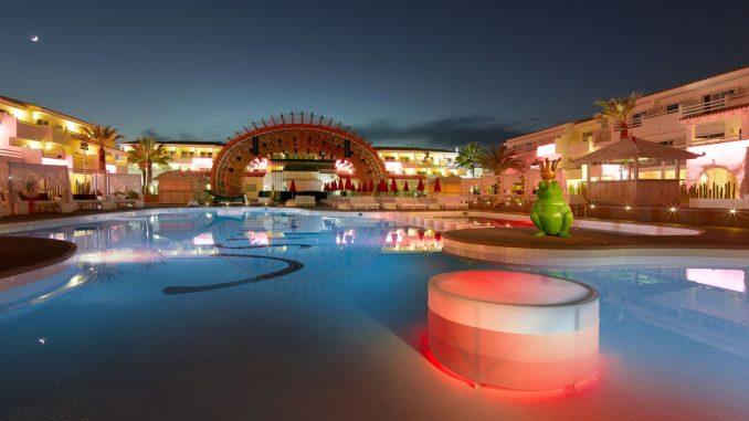 Volles Programm für die siebte Saison des Ushuaïa Ibiza Beach Hotel an der Playa d'en Bossa.